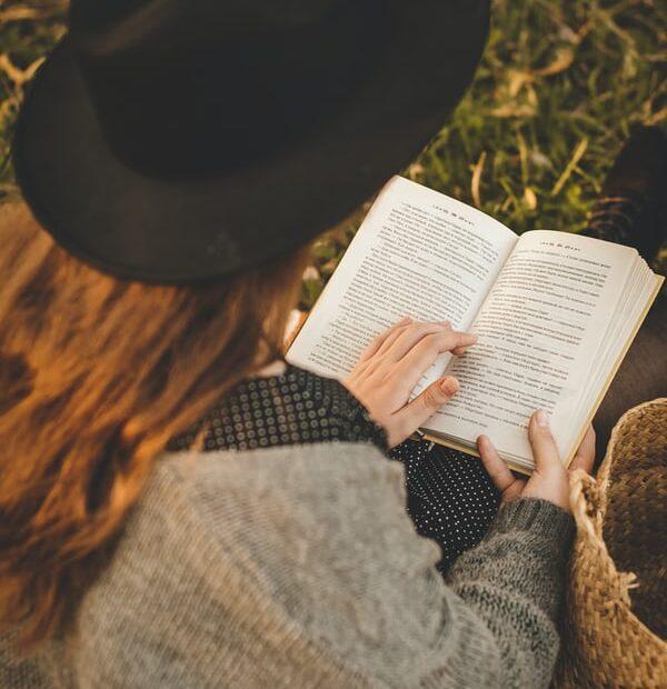 de ce citim